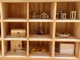 木製の棚の写真・画像素材[1055650]