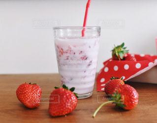 いちごミルクの写真・画像素材[983190]