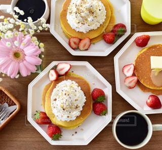 休日の朝食の写真・画像素材[1050917]