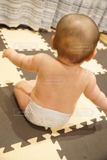 赤ちゃんの背中の写真・画像素材[1847256]