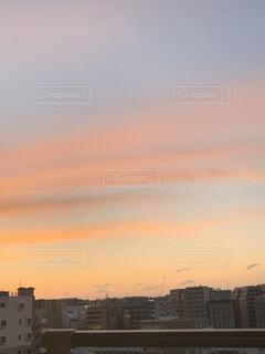 日没時の都市の眺めの写真・画像素材[3763830]