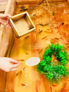 ケーキと木製のまな板の写真・画像素材[788689]