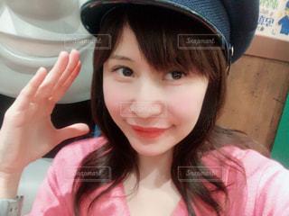 帽子をかぶった小さな女の子の写真・画像素材[1175167]