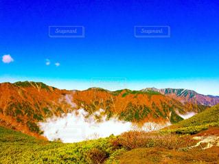 背景の大きな山 - No.749808
