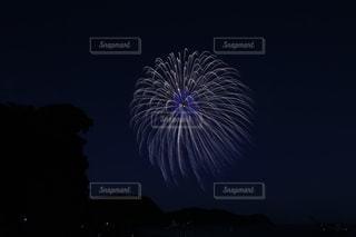 空に花火の写真・画像素材[1404619]