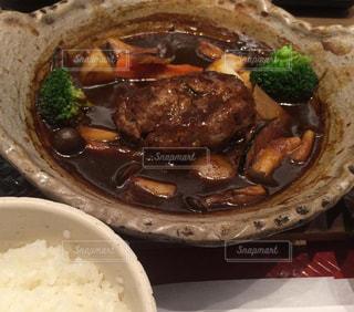一度食べたら癖になるハンバーグシチューランチ♪の写真・画像素材[1561617]