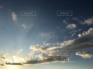空には雲のグループの写真・画像素材[764655]