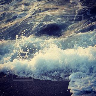 波の写真・画像素材[664000]