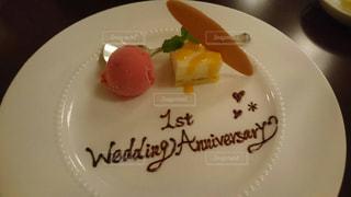 結婚記念日 お祝い 夫婦 ディナーの写真・画像素材[646581]