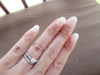 ブライダルネイルと指輪の写真・画像素材[924018]