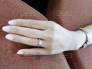 ブライダルネイルと指輪の写真・画像素材[924019]