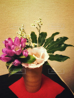 花一杯の花瓶の写真・画像素材[961151]