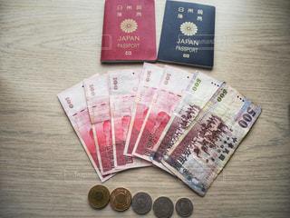 パスポートと外貨の写真・画像素材[1172615]
