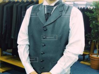 スーツとネクタイを身に着けている男の写真・画像素材[1367286]