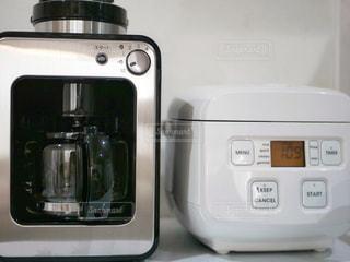 コーヒーメーカーと炊飯器の写真・画像素材[1447842]