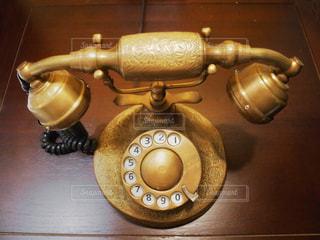 レトロな電話の写真・画像素材[1603897]
