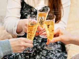 泡で乾杯🥂の写真・画像素材[1814751]
