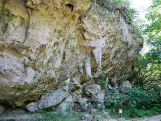 二本の鍾乳石の写真・画像素材[1993651]