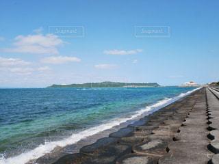 海中道路脇の海の写真・画像素材[2006818]