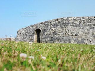 春の座喜味城跡の写真・画像素材[2022415]