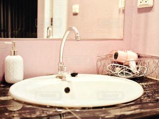 ピンクの内装の写真・画像素材[2218367]
