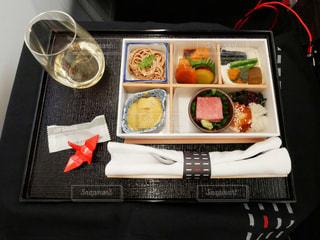 ビジネスクラスの機内食の写真・画像素材[2357438]
