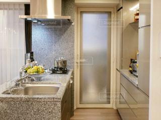 キッチンの写真・画像素材[2426496]