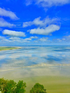 空、海、リフレクション、雲、エメラルドグリーンの写真・画像素材[649655]