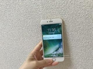 携帯電話を持つ手の写真・画像素材[783576]