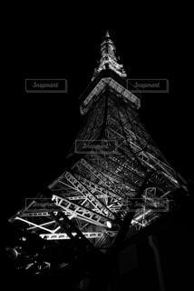 クロック タワーは夜ライトアップの写真・画像素材[720749]
