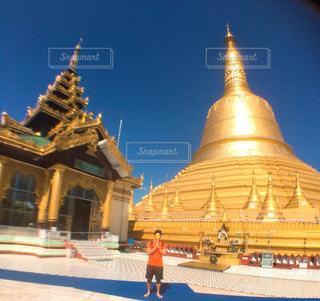 ミャンマー最大の仏塔シュエモード・パヤーの写真・画像素材[1885929]