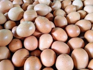 たくさんの卵の写真・画像素材[2190777]