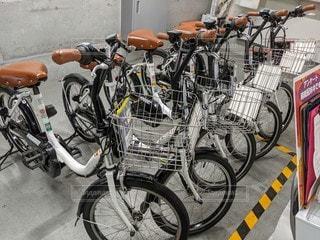 立川駅のレンタル電動自転車(ミニベロ)の写真・画像素材[2720214]