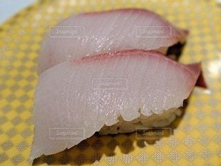 回転寿司のハマチのクローズアップの写真・画像素材[2720212]