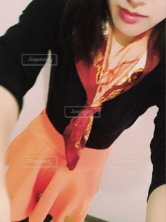 selfie を取る女性の写真・画像素材[1187840]