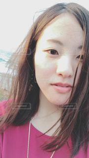 クローズ アップ撮影、selfie ピンクの髪を持つ女性のの写真・画像素材[1352512]