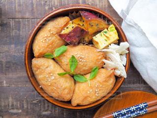 おいなりさん弁当の写真・画像素材[1599721]