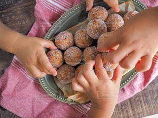 子供のおやつ 手作りドーナツの写真・画像素材[1599729]