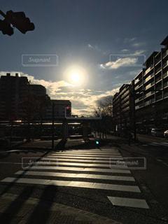 太陽がグレードアップして日輪がありますの写真・画像素材[929090]