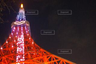 クロック タワーは夜ライトアップの写真・画像素材[930879]