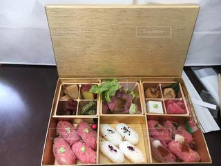 料理の種類でいっぱいのボックスの写真・画像素材[1024954]