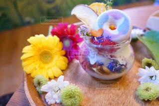近くの花のアップの写真・画像素材[1144304]