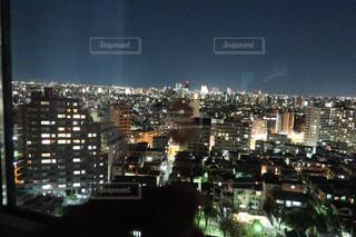 夜の街の眺めの写真・画像素材[2841173]