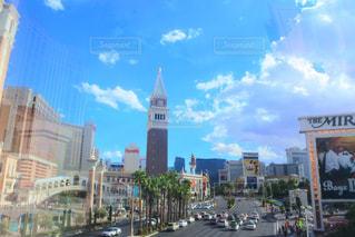 街の通りの眺めの写真・画像素材[2104472]