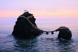 夫婦岩の写真・画像素材[2105173]