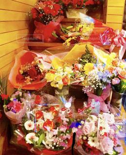 たくさんの花束の写真・画像素材[2109461]