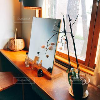 ダイニング ルームのテーブルの写真・画像素材[741036]