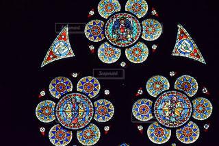 フライブルク ミュンスター教会のステンドグラスの写真・画像素材[1565091]