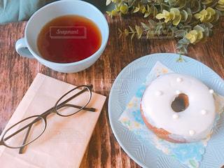紅茶とドーナツの写真・画像素材[1457380]