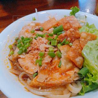 ベトナム ホイアンで食べた麺料理の写真・画像素材[1630905]